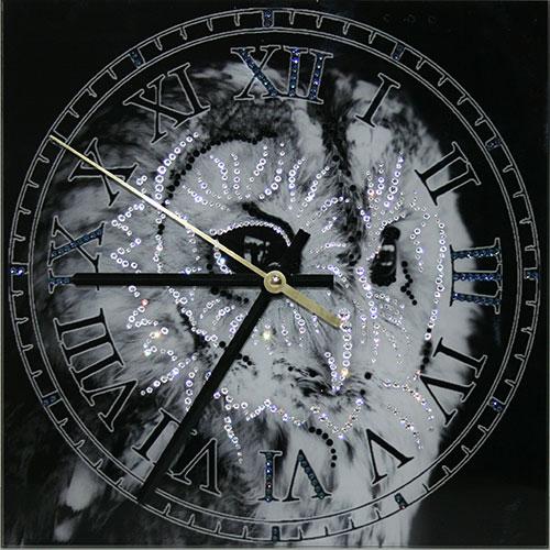 """Часы с кристаллами Swarovski """"Зоркий взгляд"""""""